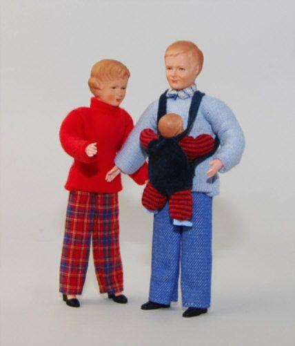"""Caco 12310100 Puppe """"Familie"""" Eltern + Baby Biegepuppe 1:12 für Puppenhaus"""