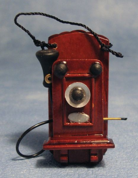 SA Dollshouse D1525 Altes Wandtelefon Holz 1:12 Für Puppenhaus